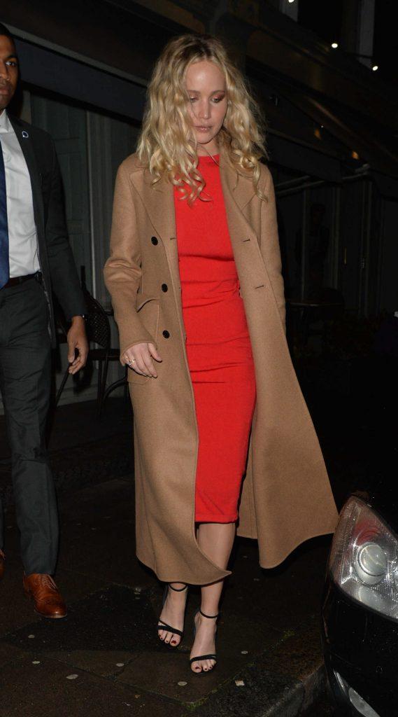Jennifer Lawrence Arrives at Trishna Indian Restaurant in London-1