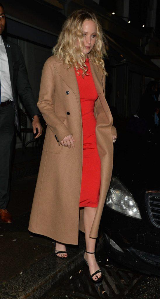 Jennifer Lawrence Arrives at Trishna Indian Restaurant in London-2