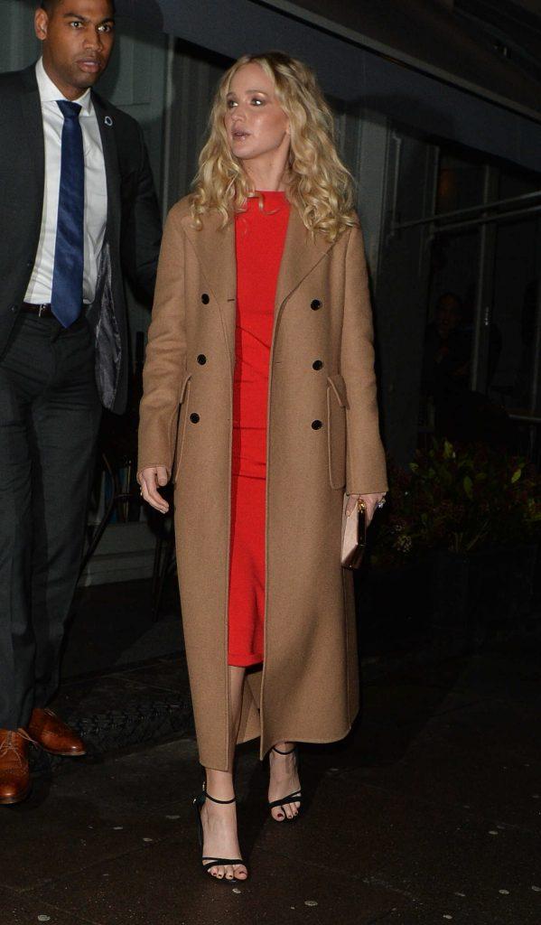 Jennifer Lawrence Arrives at Trishna Indian Restaurant in London-3