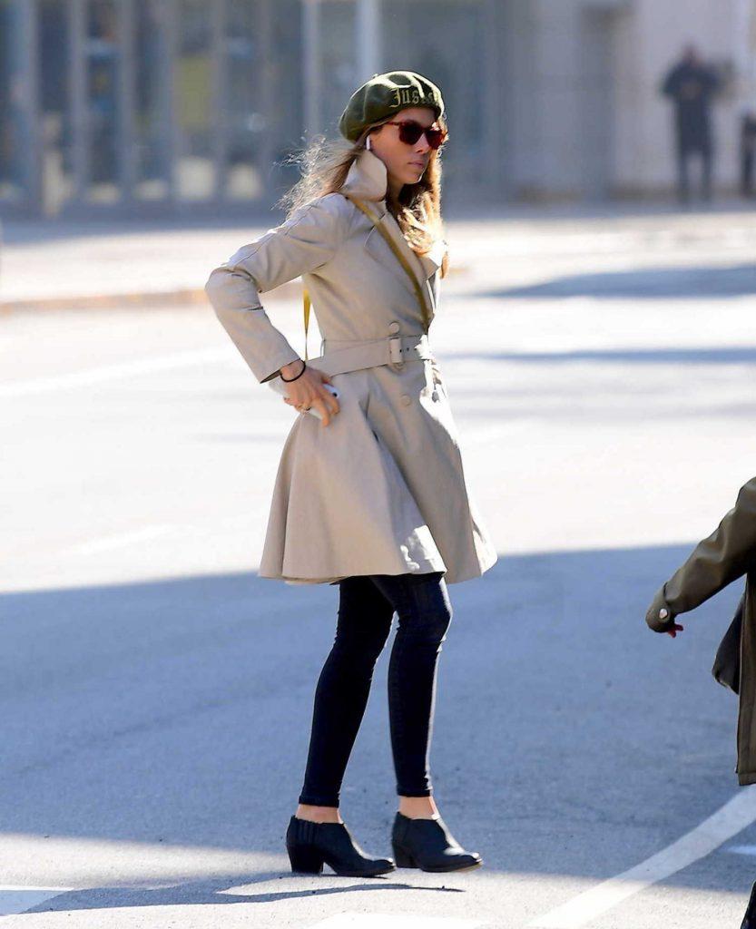 Jessica Biel Wears a Green Beret in Tribeca, NYC-4