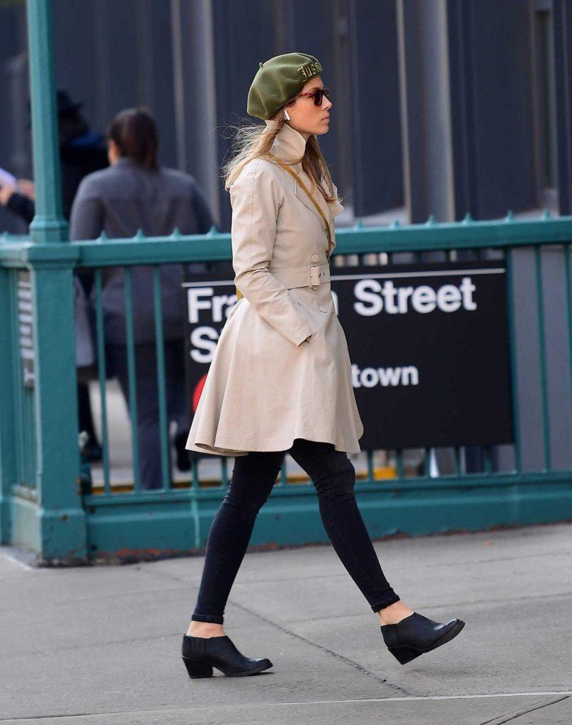 Jessica Biel Wears a Green Beret in Tribeca, NYC-5