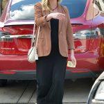 Kirsten Dunst Arrives at the Hair Salon in LA