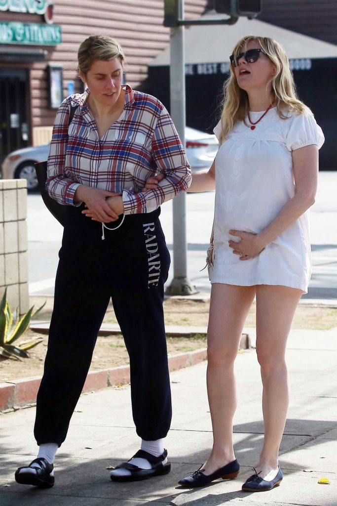 Kirsten Dunst Was Spotted on a Lunch Date in Los Feliz-1