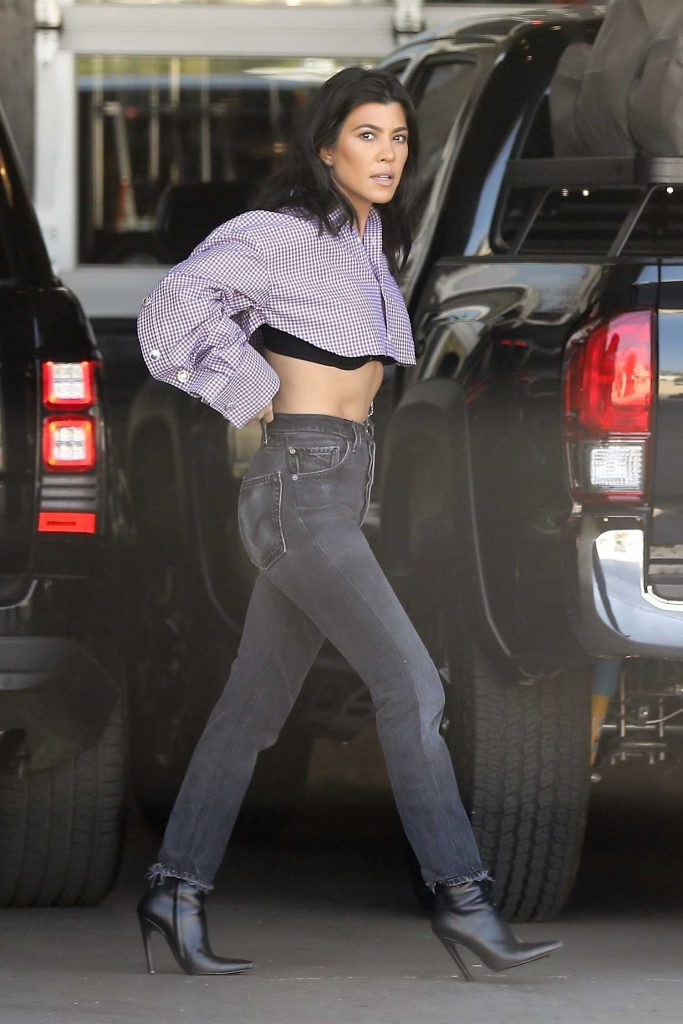 Kourtney Kardashian Arrives at Milk Studios in Los Angeles-2