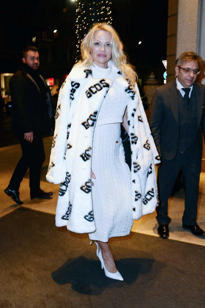 Pamela Anderson Arrives at Her Hotel During Milan Fashion Week in Milan-1