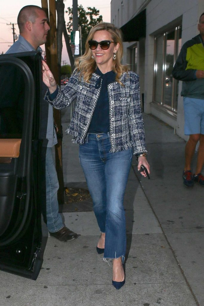 Reese Witherspoon Leaves Au Fudge in West Hollywood-1