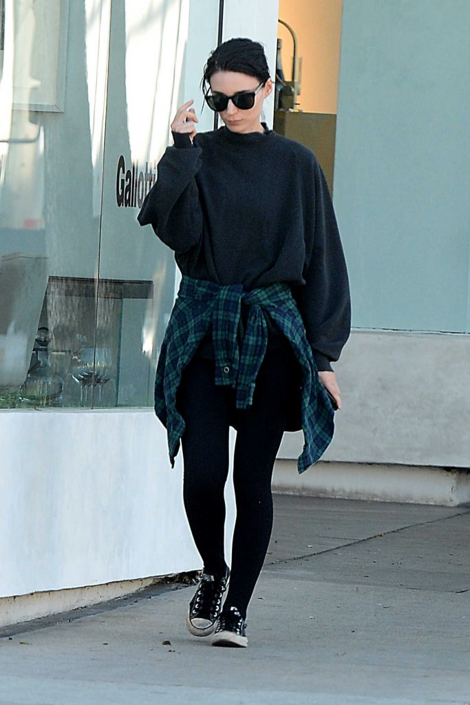 Rooney Mara Leaves a Clothing Store in West Hollywood-2