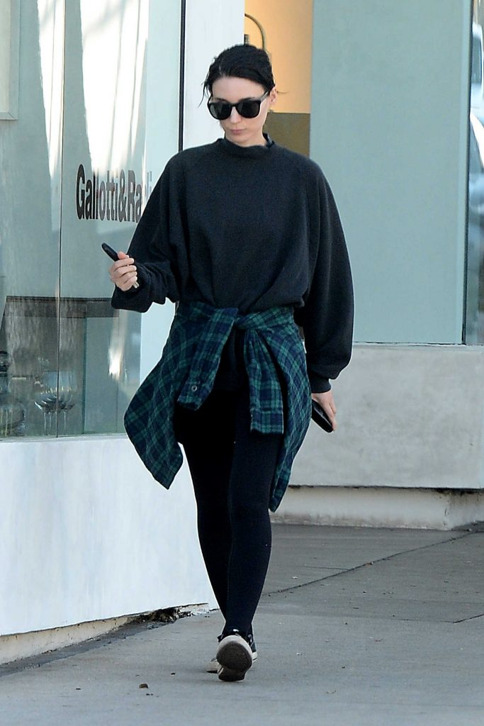 Rooney Mara Leaves a Clothing Store in West Hollywood-3