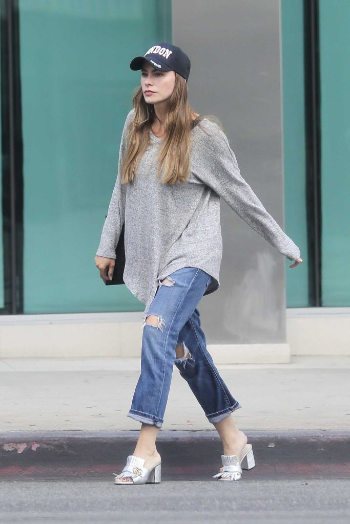 Sofia Vergara Stops by ABC Pharmacy in Beverly Hills-3