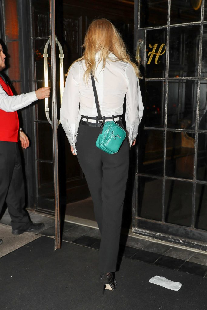Sophie Turner Wears a Black and White Out in NYC-5