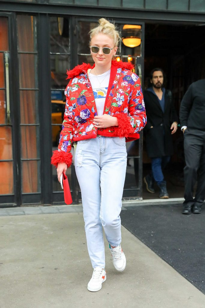 Sophie Turner Wears a Red Flowered Jacket as She Leaves Her Hotel in New York City-2