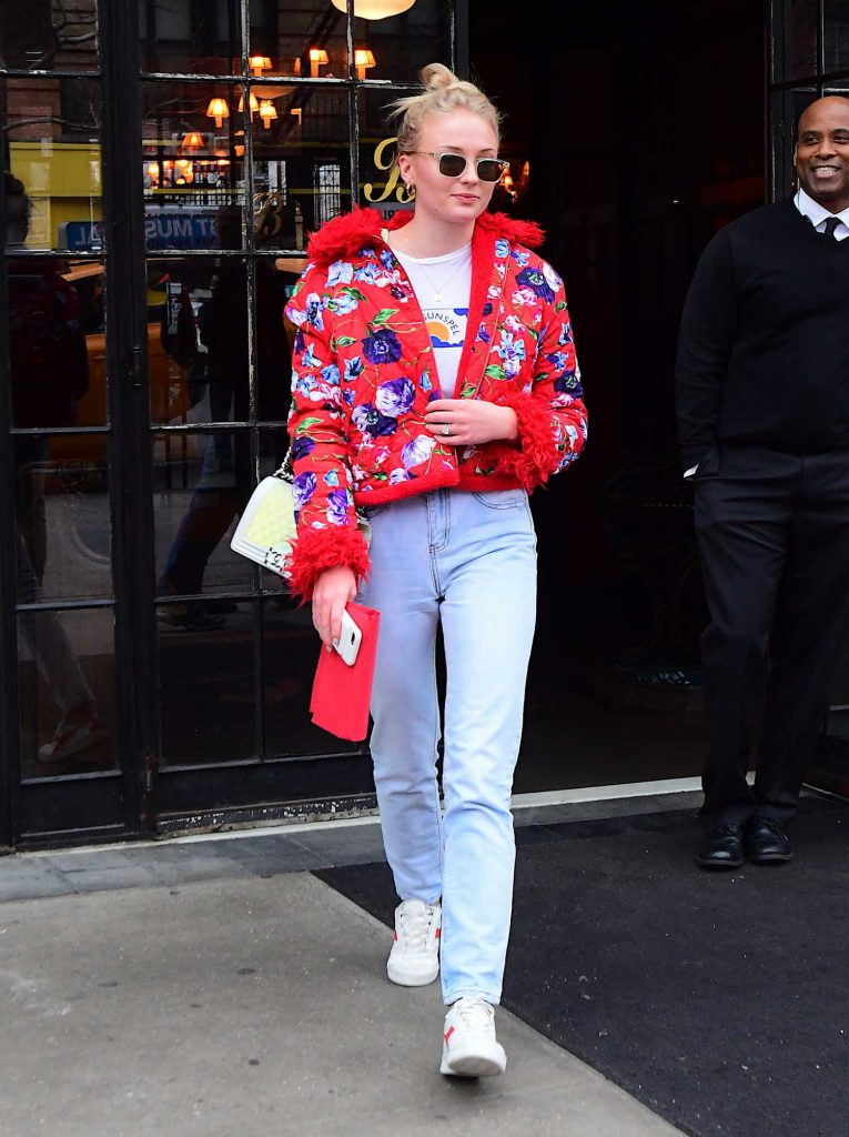 Sophie Turner Wears a Red Flowered Jacket as She Leaves Her Hotel in New York City-4