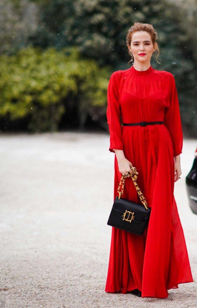 Zoey Deutch Attends the Christian Dior Show During Paris Fashion Week in Paris-3