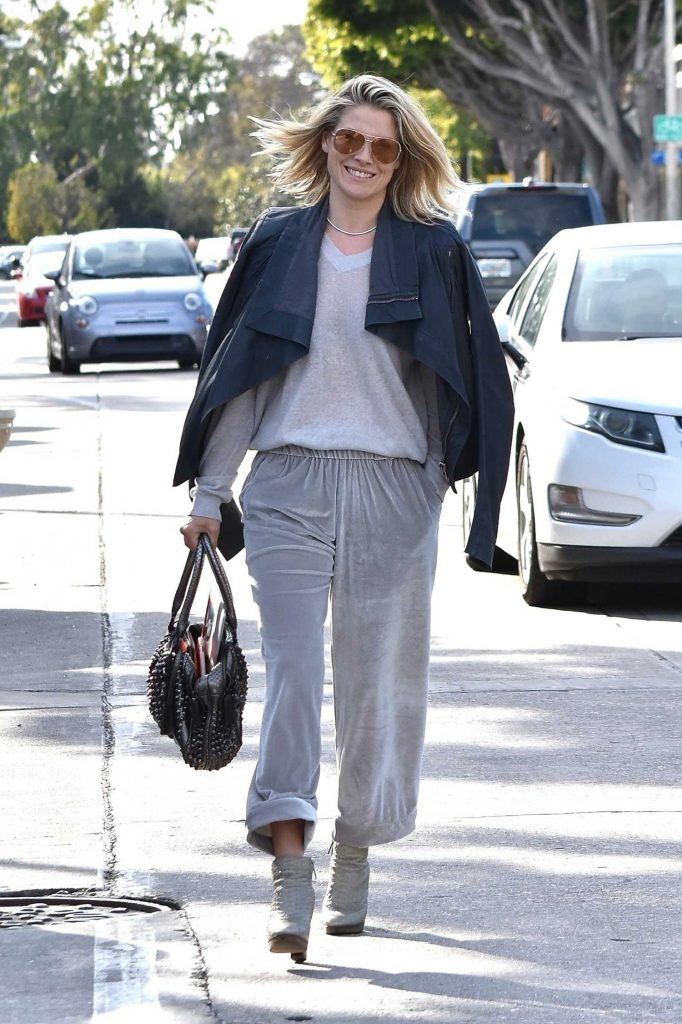 Ali Larter Out for Lunch at Gracias Madre in West Hollywood-1