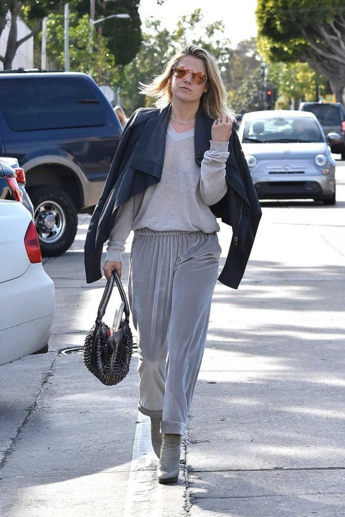 Ali Larter Out for Lunch at Gracias Madre in West Hollywood-2