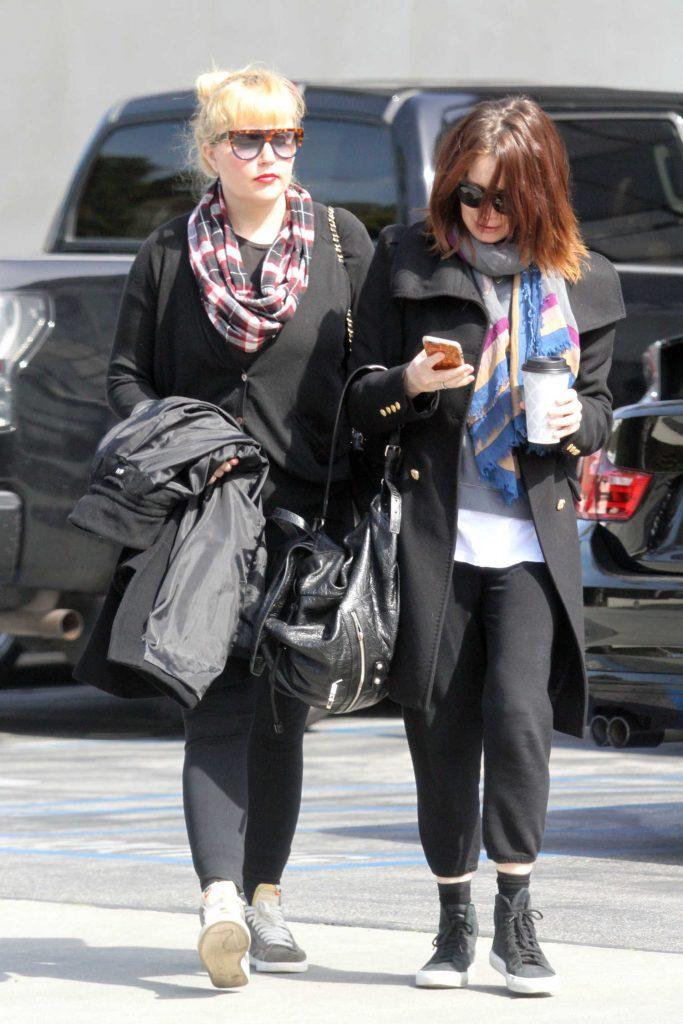 Amanda Bynes Goes Shopping in Santa Monica-2