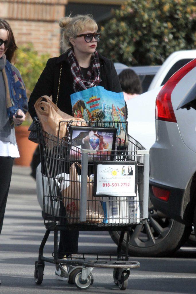 Amanda Bynes Goes Shopping in Santa Monica-3
