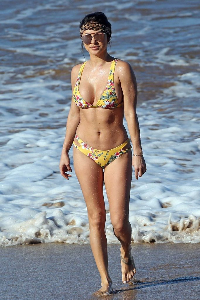 Arianny Celeste in Bikini on the Beach in Wailea-1