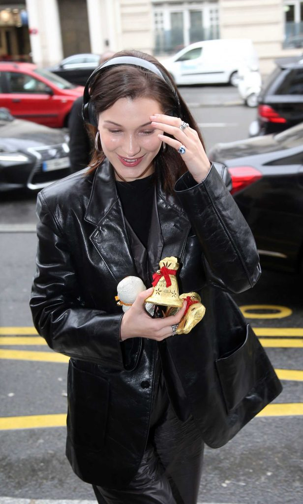 Bella Hadid Arrives at Roissy Airport in Paris-3