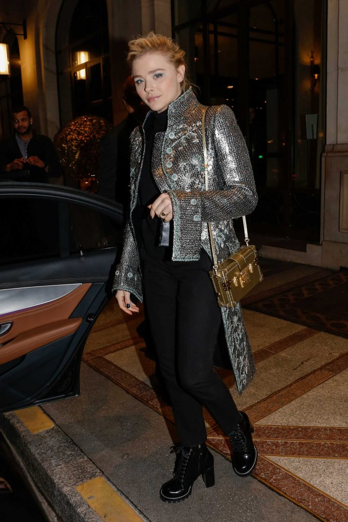 Chloe Moretz Arrives at Her Hotel in Paris-4