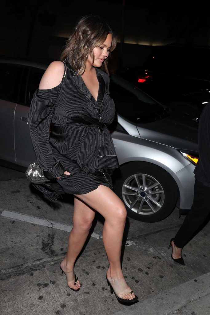 Chrissy Teigen Heads to Dinner at Craig's in West Hollywood-1