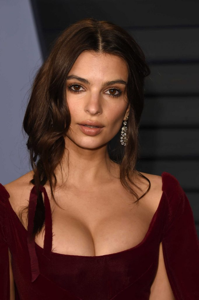 Emily Ratajkowski at 2018 Vanity Fair Oscar Party in Beverly Hills-5