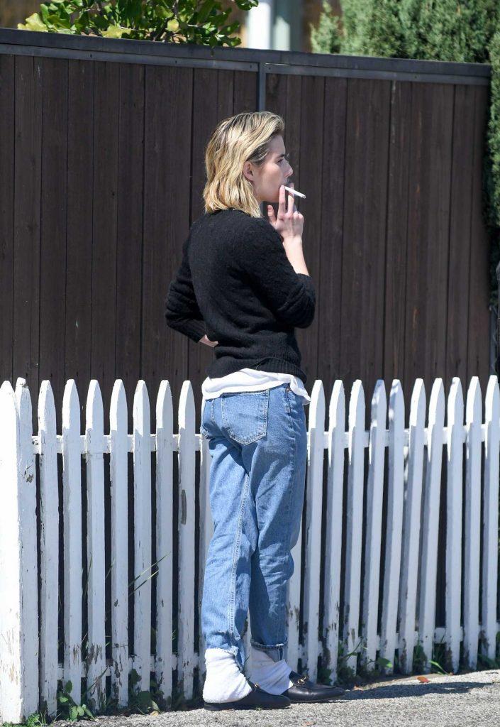 Emma Roberts Was Spotted on a Smoke Break in LA-5