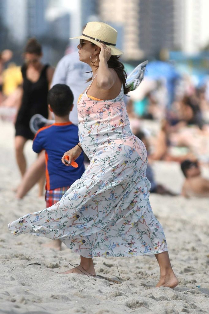 Eva Longoria Was Seen on the Beach in Miami-5