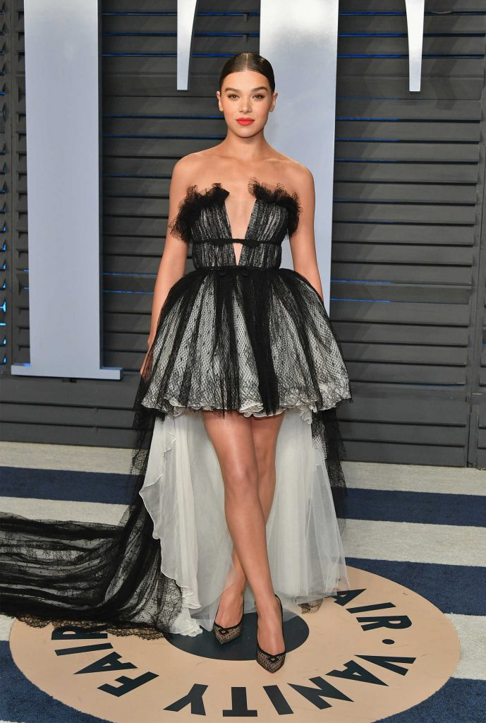 Hailee Steinfeld at 2018 Vanity Fair Oscar Party in Beverly Hills-1
