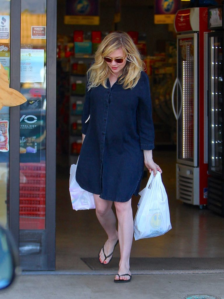 Kirsten Dunst Was Seen Out in Beverly Hills-1