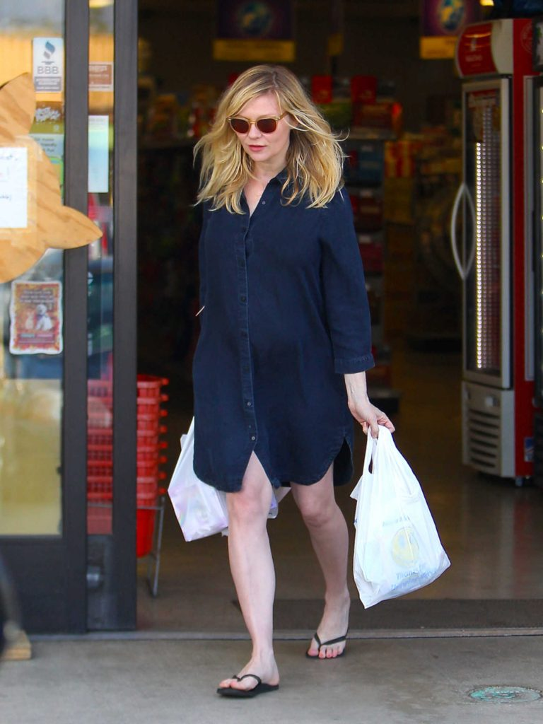 Kirsten Dunst Was Seen Out in Beverly Hills-2