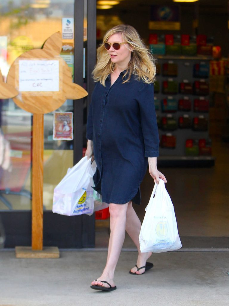 Kirsten Dunst Was Seen Out in Beverly Hills-3