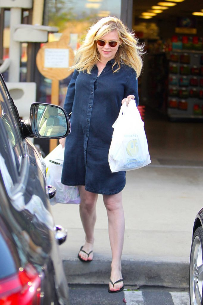 Kirsten Dunst Was Seen Out in Beverly Hills-4