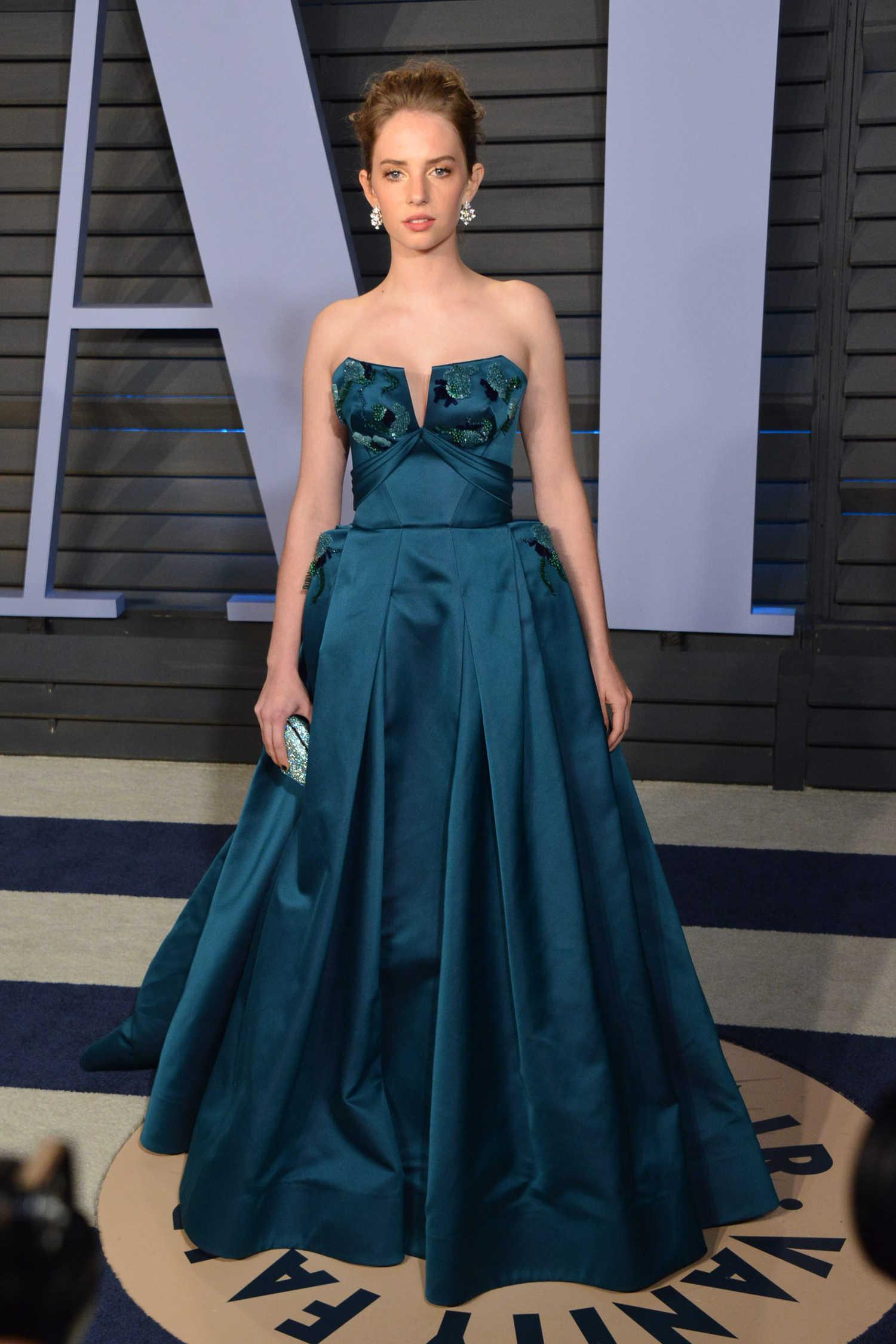 Carpet Protection Film >> Maya Thurman Hawke at 2018 Vanity Fair Oscar Party in Beverly Hills – Celeb Donut