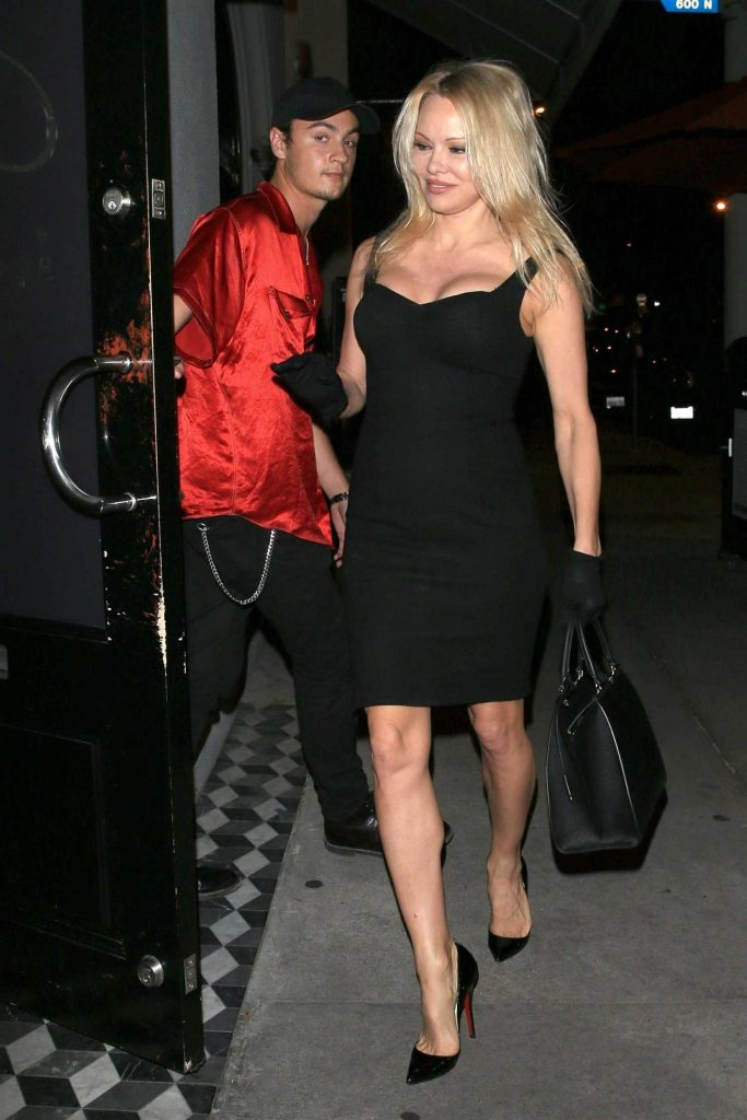 Pamela Anderson Leaves Craig's Restaurant in West Hollywood-1