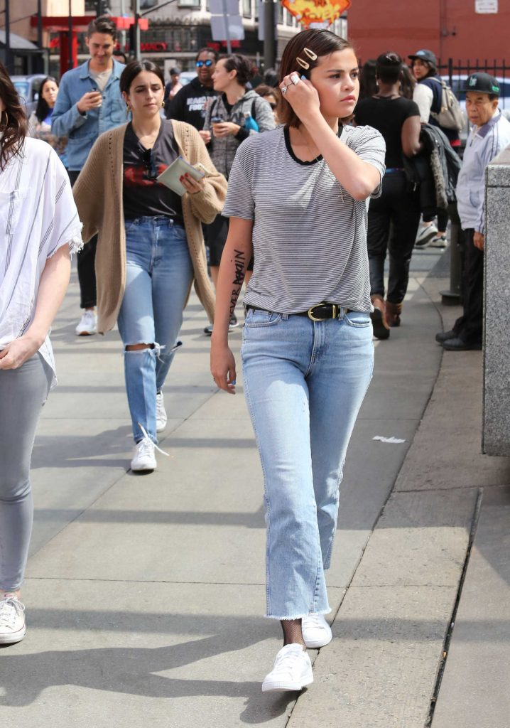 Selena Gomez Arrives at the March for Our Lives in Los Angeles-5