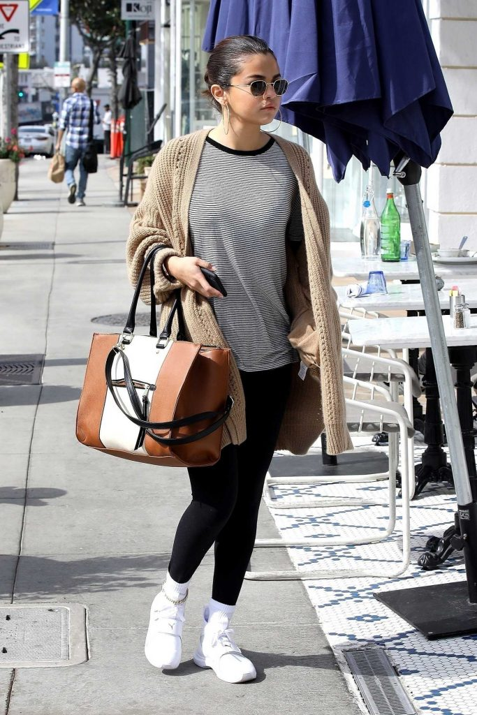Selena Gomez Grabs a Late Breakfast in Hollywood-3