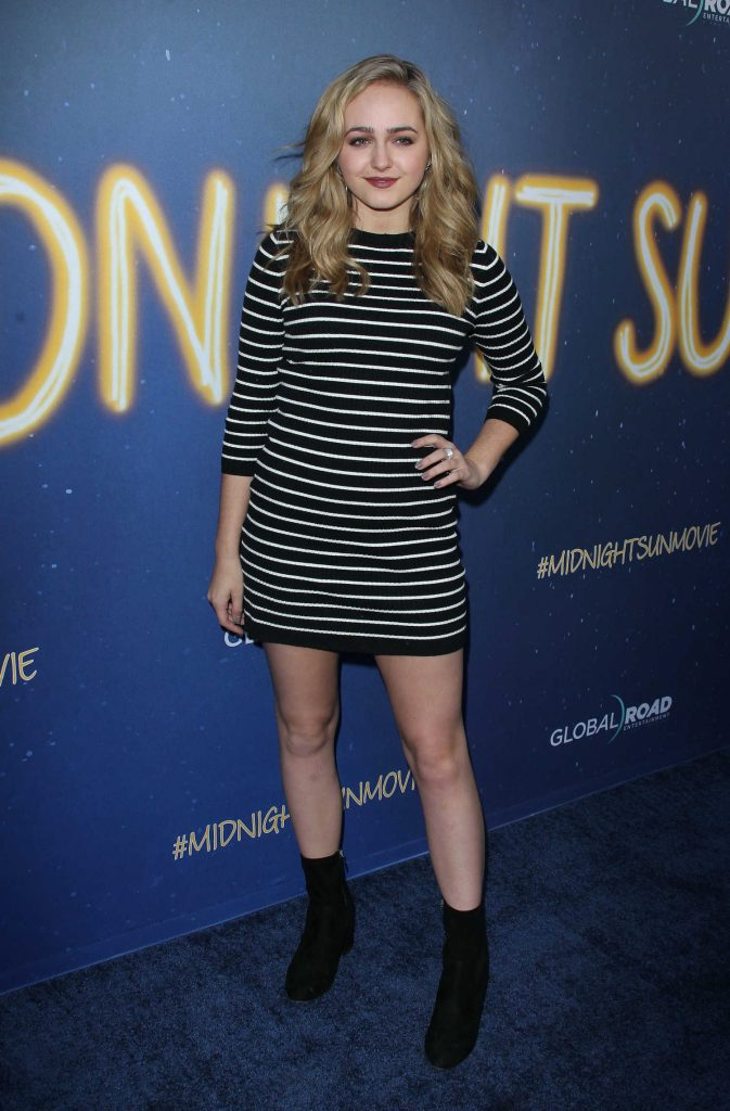 Sophie Reynolds at the Midnight Sun Premiere in Los Angeles-2