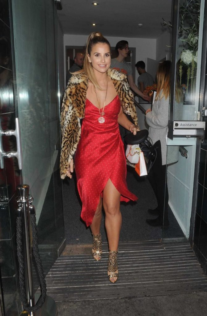 Vogue Williams Arrives at the Folli Follie Event at White Space Gallery in London-4