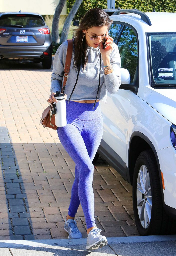 Alessandra Ambrosio Arrives at the Gym in Brentwood-5