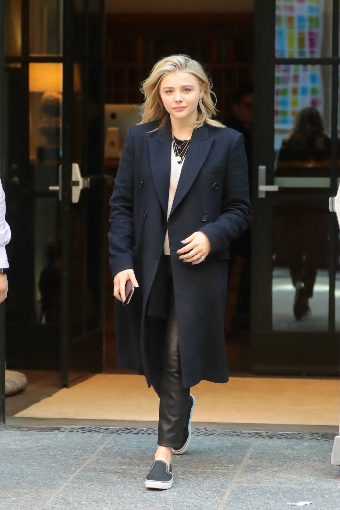 Chloe Moretz Wears a Necklace Out in New York City-1