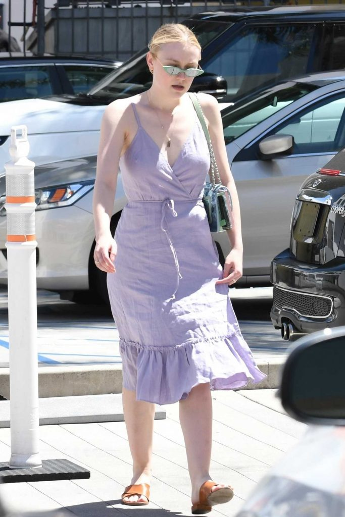 Dakota Fanning Goes Shopping Out in LA-4
