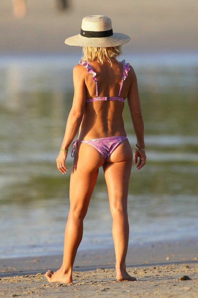 Elsa Pataky in Bikini on the beach in Byron Bay, Australia-5