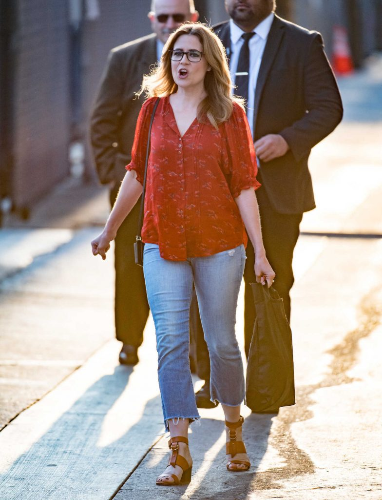 Jenna Fischer Arrives at Jimmy Kimmel Live! TV Show in Los Angeles-1