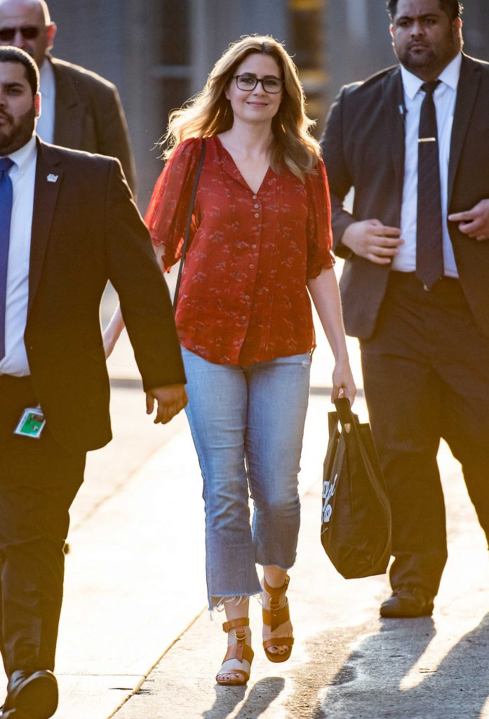 Jenna Fischer Arrives at Jimmy Kimmel Live! TV Show in Los Angeles-3