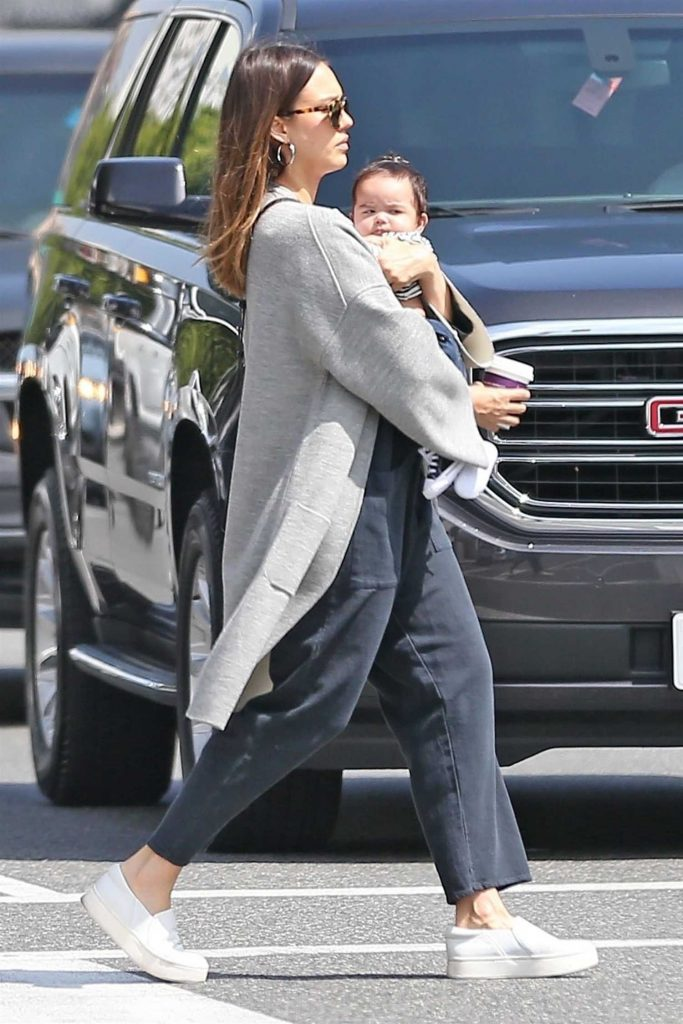 Jessica Alba Goes Shopping in Los Angeles with Her Baby Boy-3