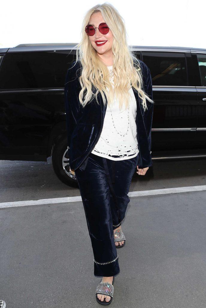 Kesha Arrives at LAX International Airport in Los Angeles-5