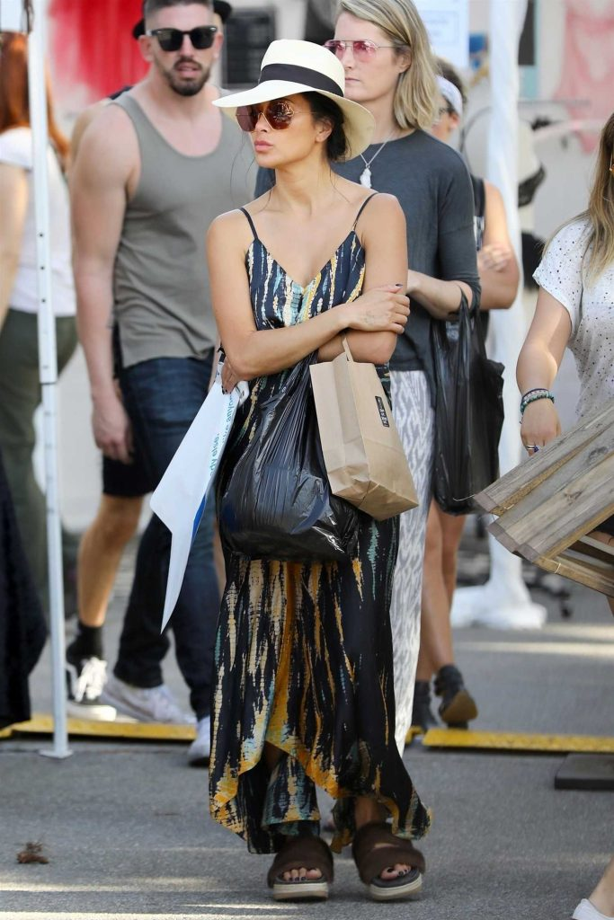 Nicole Scherzinger Stops by Melrose Trading Post in West Hollywood-3