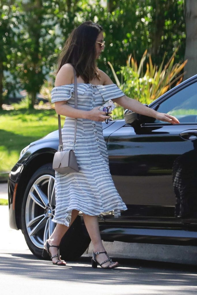 Olivia Munn Stops by a Friends House in Studio City-4