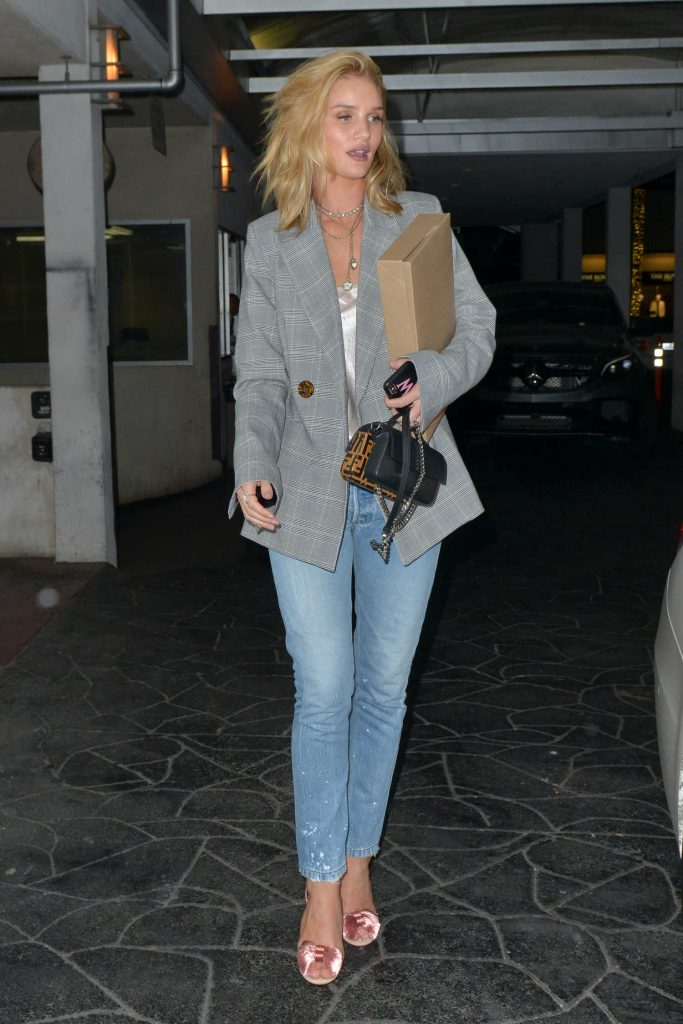 Rosie Huntington-Whiteley Stepped Out in Beverly Hills-1